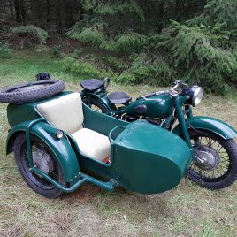 M-72 Motorcycle 1952- fitted with first type sidecar